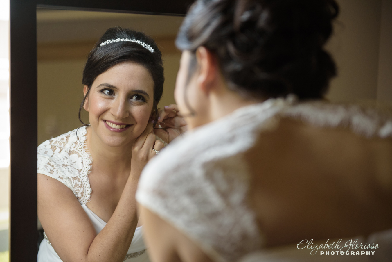 Bride getting ready Ritz Cleveland Ohio